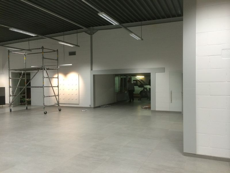 renoveren van showroom - 5/10