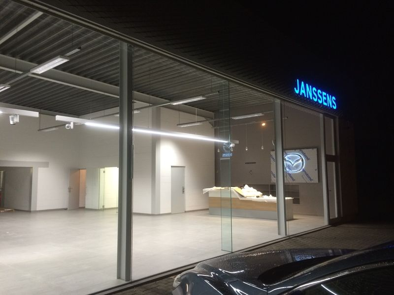 renoveren van showroom - 6/10